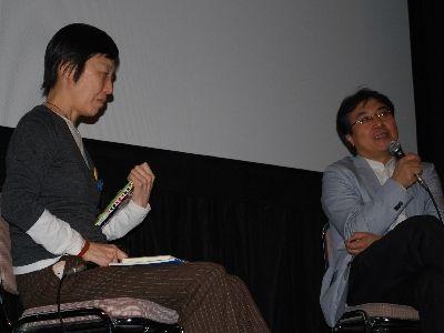 トークショーで熱弁する鎌仲監督と飯田氏