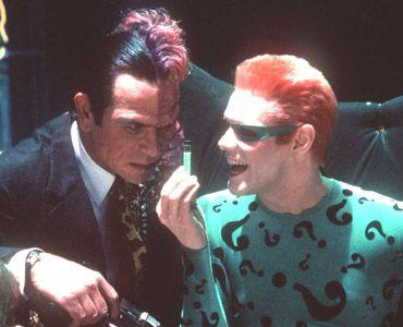 右がジム・キャリーふんするリドラー 『バットマン・フォーエヴァー』