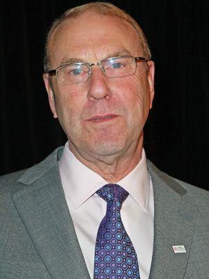 車との接触事故で亡くなったマイケル・ゴットリーブ監督