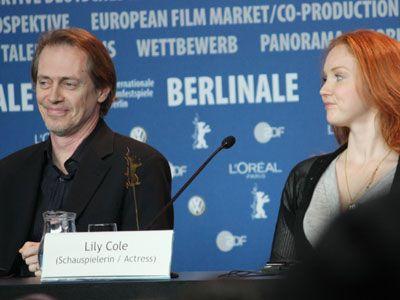 個性派俳優スティーヴ・ブシェミ(左)