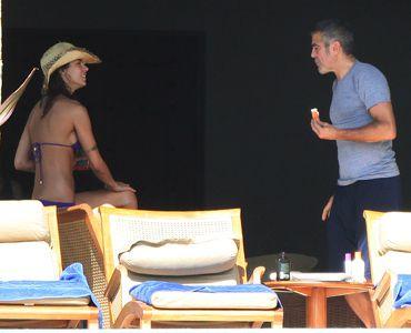 メキシコで休暇中のエリザベッタ・カナリスとジョージ・クルーニー