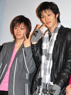 長期休業を発表した柳浩太郎(左)、右は映画で共演した俳優の小谷嘉一(写真は2009年撮影)