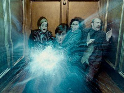 映画泥棒はいけません!!-映画『ハリー・ポッターと死の秘宝 PART1』より