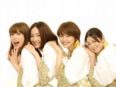 キラッキラの女優陣!!-左から仲里依紗、麻生久美子、長澤まさみ、真木よう子