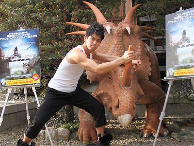 恐竜をも倒せる(!?)武井壮