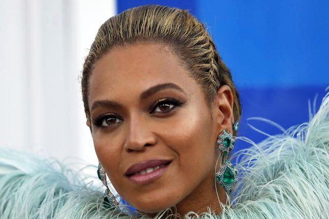 9月29日、米歌手ビヨンセが、災害に見舞われたカリブ諸島やメキシコの救済活動支援のため、ラテンのヒット曲「Mi Gente」のリミックス版のシングルとビデオをリリースした。6月に双子を出産して以来初めの楽曲となる。写真は昨年8月撮影