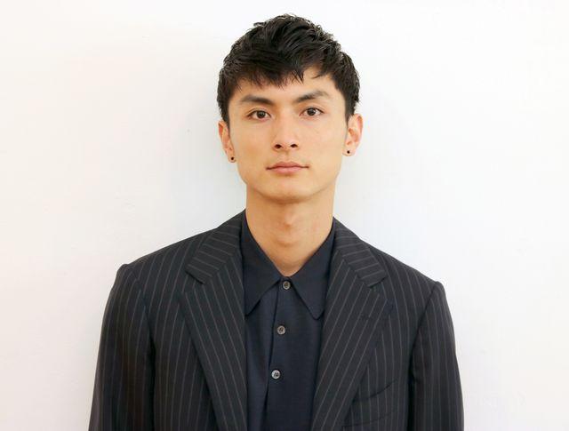 30歳をずっと意識してきたという高良健吾 - スタイリスト:小野田 史