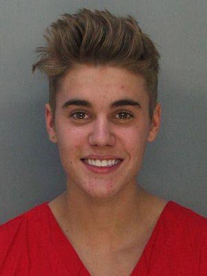 今年1月に撮影された逮捕写真 - ジャスティン・ビーバー