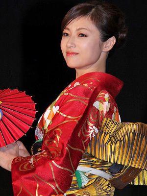 深田恭子 着物 深田恭子さんの和服 | emeaaのブログ