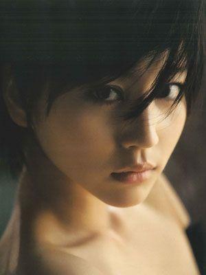 映画『白夜行』で、悪女・唐沢雪穂を演じる堀北真希