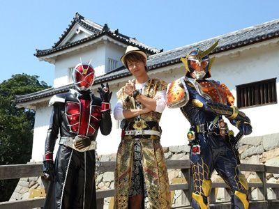 仮面ライダーウィザードとイエヤスにふんするJOY、仮面ライダー鎧武