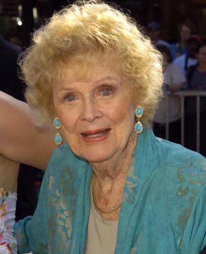 『タイタニック』で年老いたローズを演じたグロリア・スチュアートさん