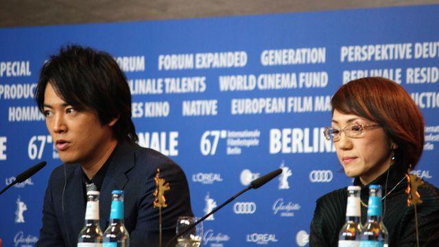 チーム『彼らが本気で編むときは、』がベルリンで会見! - 桐谷健太と荻上直子監督