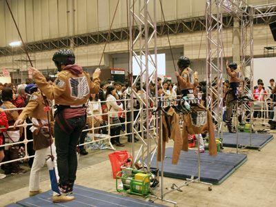 「ニコニコ超会議3」に設置された立体機動装置のアトラクション