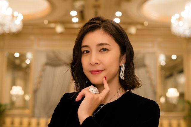 「スキャンダル専門弁護士 QUEEN」役衣装の竹内結子