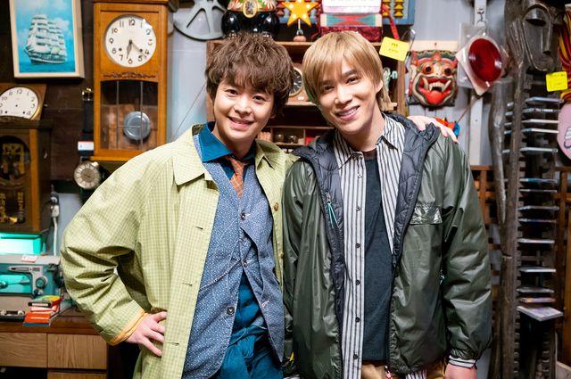 有岡大貴&千賀健永、探偵学校時代の同級生役で共演!