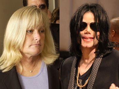 マイケル・ジャクソンさん(右)の元マネージャーと婚約したデビー・ロウさん(左)