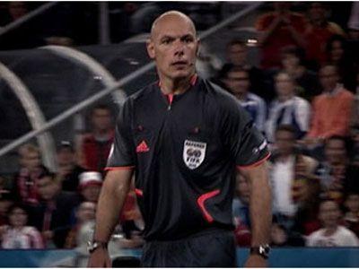 映画『レフェリー 知られざるサッカーの舞台裏』よりハワード・ウェブ