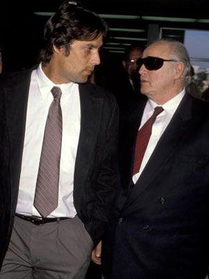 クリスチャン・ブランド(左)と父親のマーロン・ブランド(右)