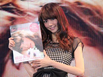 初のカレンダーbookで様々な表情をみせた桐谷美玲