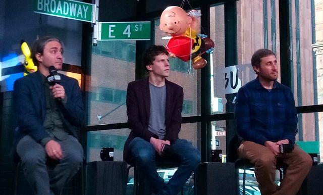 左から、ジェレミー・ワークマン監督、ジェシー・アイゼンバーグ、マット・グリーン