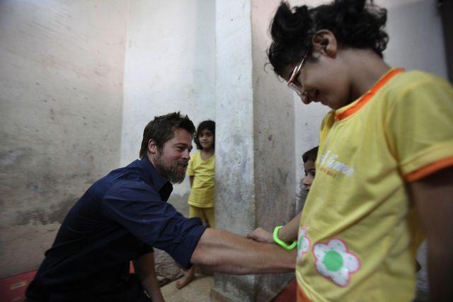 UNHCR親善大使とパートナー、シリア難民家族訪問