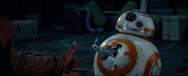 エピソード8の撮影がスタート! BB-8も大喜び?