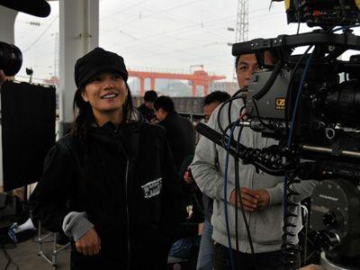 撮影中のヴィッキー・チャオ、初監督作が日本公開決定!