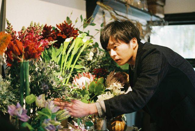 今泉力哉監督と初タッグを組む主演映画『mellow』で花屋店主を演じる田中圭