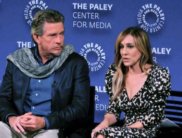 元夫婦を演じたトーマス・ヘイデン・チャーチ(左)とサラ・ジェシカ・パーカー