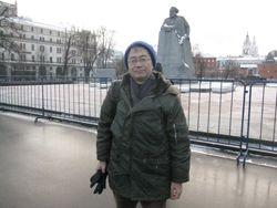 マルクス前で記念写真