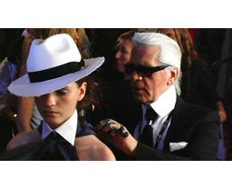 ファッションを創る男 −カール・ラガーフェルド−