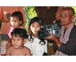 おばあちゃんが伝えたかったこと カンボジア・トゥノル・ロ村の物語